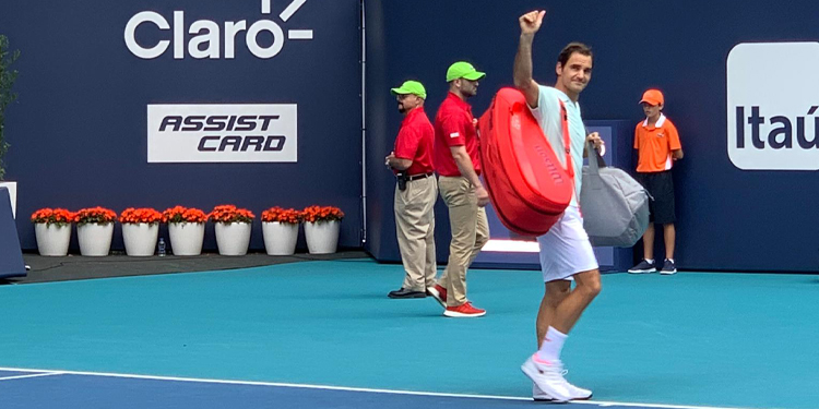 Roger Federer saludando Miami Open 2019